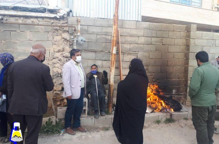 حضور شهردار و اعضای شورای شهر سی سخت در میان زلزله زدگان/قول های شهردار سی سخت به زلزله زدگان+تصاویر