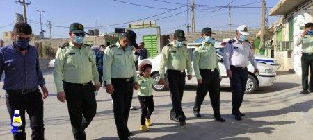 برآورده شدن آرزوی کودک معلول در بهمئی/ بردیا ۴ساله فرمانده پلیس شد + تصاویر